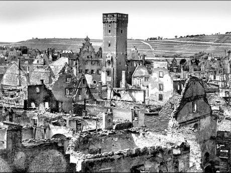 Die zerstörte Würzburger Innenstadt nach dem 16. März 1945. Foto: Archiv Willi Dürrnagel