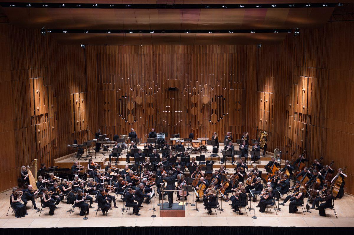 Kultureller Hochgenuss in Bad Kissingen: Das BBC Symphony Orchestra unter der Leitung des Chefdirigenten Sakari Oramo. Foto: Sim Canetty-Clark