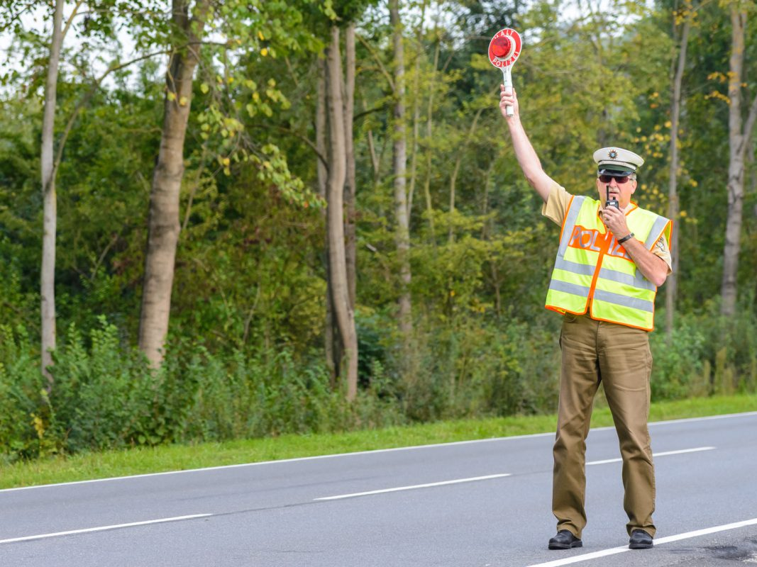 Verkehrskontrolle – Symbolfoto: Pascal Höfig