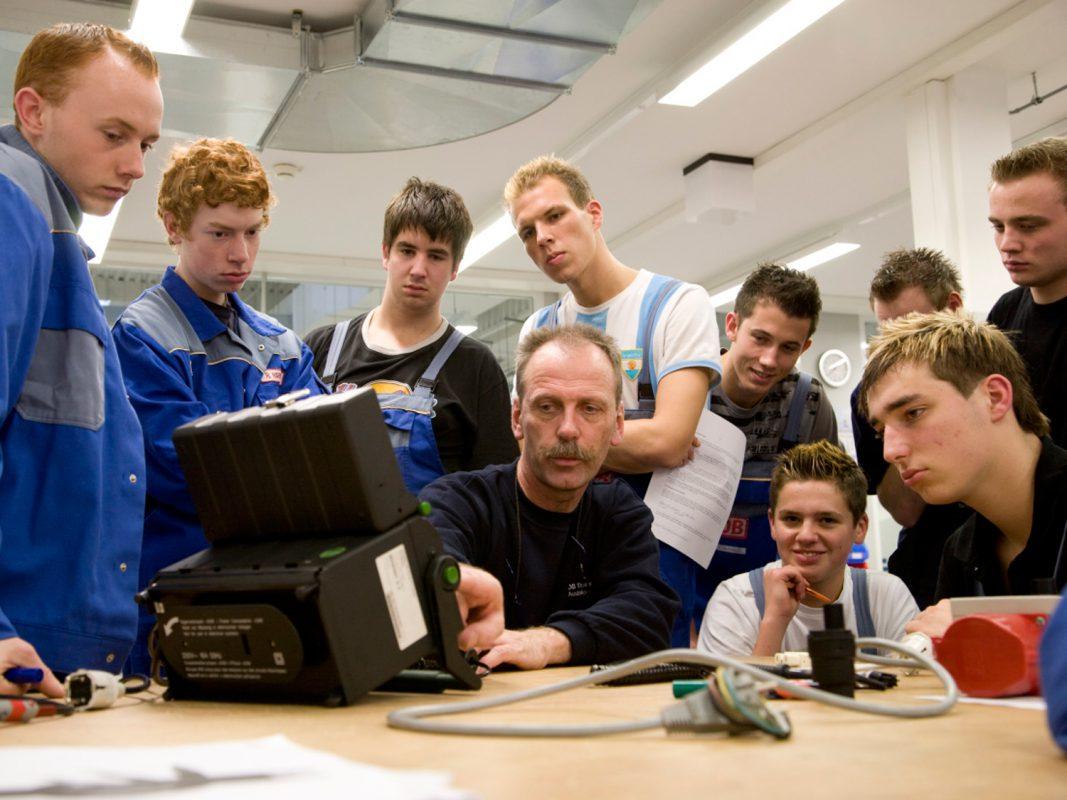 In der Gruppe lernt es sich leichter. - Foto: DB Regio AG