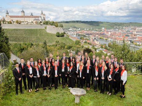 Die neuen Auszubildenden der Sparkasse Mainfranken Würzburg. Foto: Sparkasse Mainfranken Würzburg