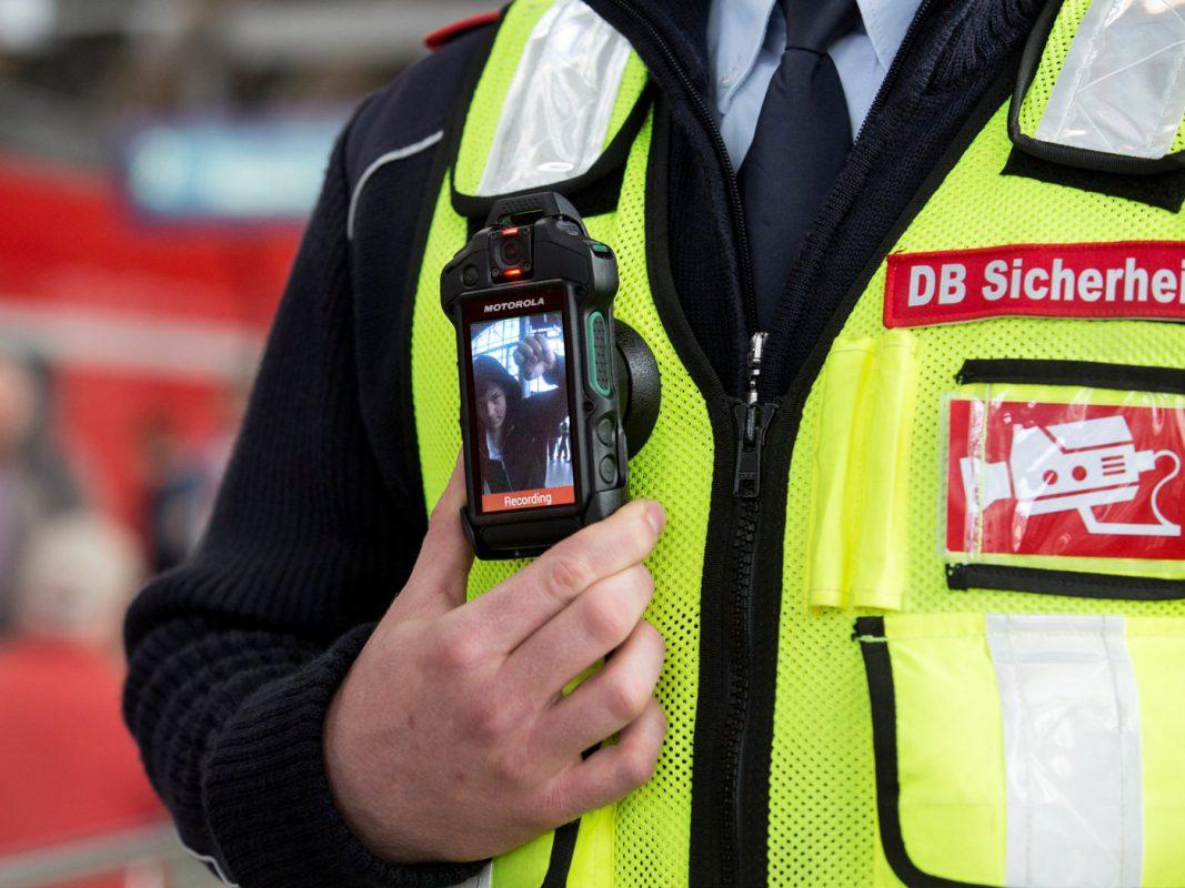 Bodycams zum Schutz von DB-Mitarbeitern und Kunden. Foto: Deutsche Bahn AG / Pablo Castagnola