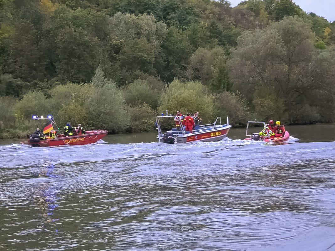 Ein Großaufgebot an Einsatzkräften suchte den Uferbereich ab. Foto: Pascal Höfig