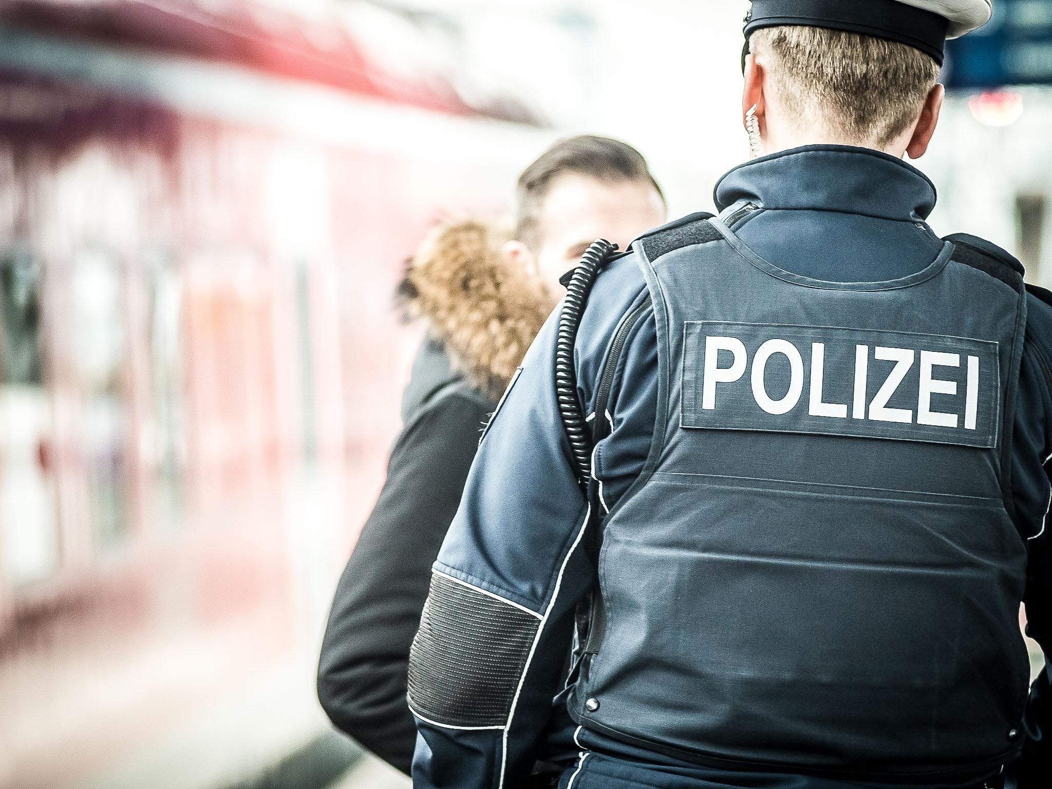 Beamter der Bundespolizei Würzburg am Hauptbahnhof Würzburg. Symbolfoto: Pascal Höfig