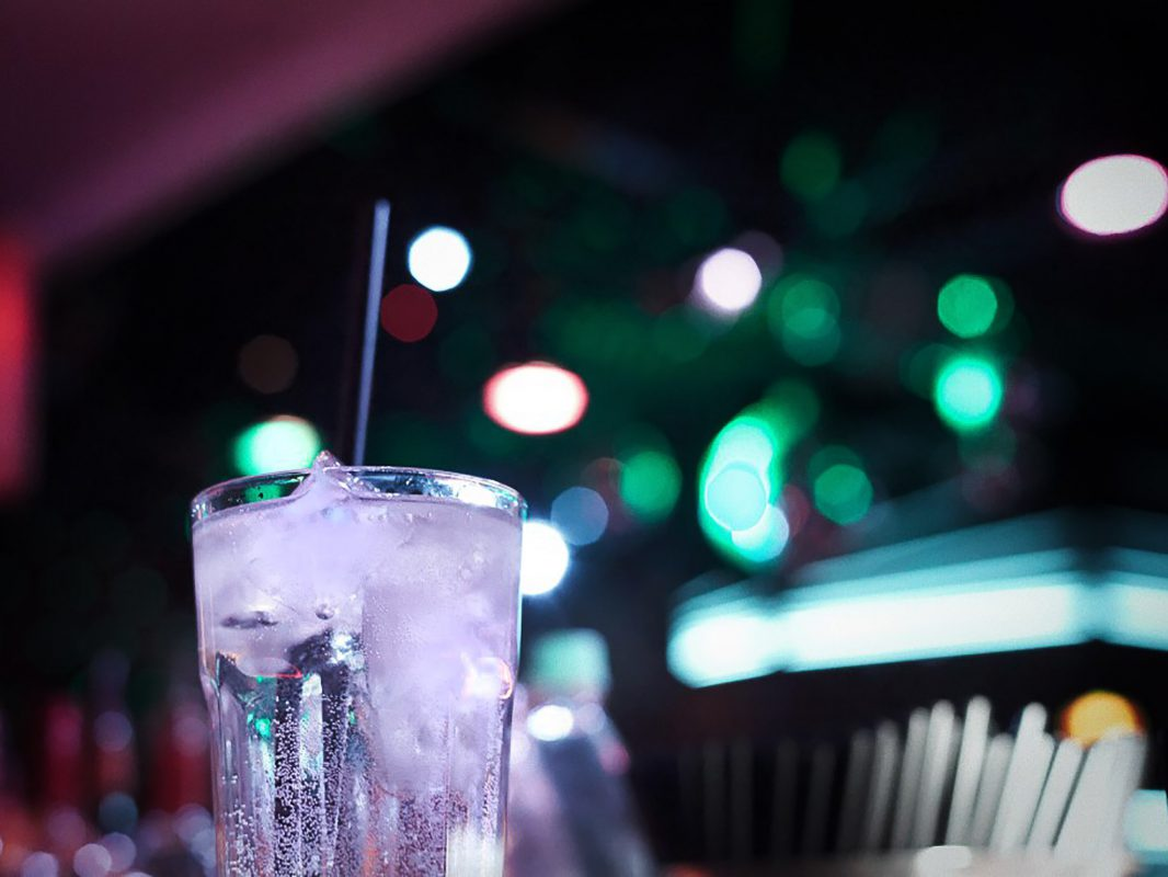 Drink in Bar oder Club. Symbolfoto: Pascal Höfig