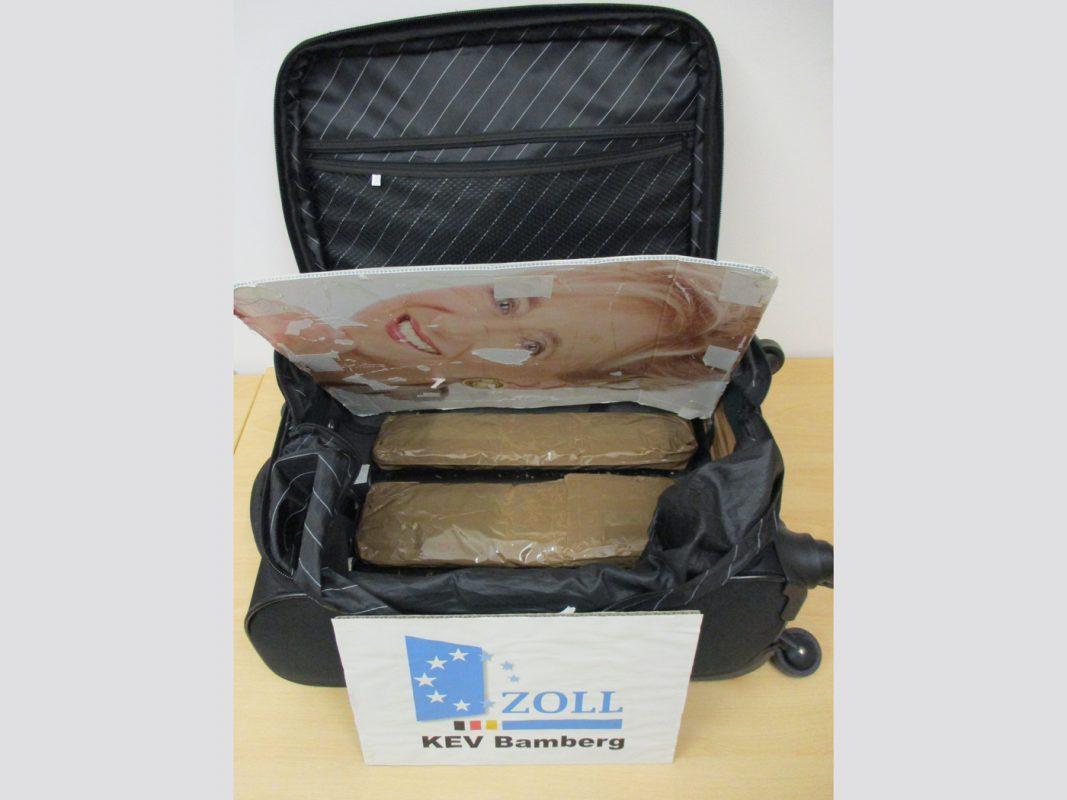 Koffer mit doppeltem Boden Bildquelle: Bundeszollverwaltung