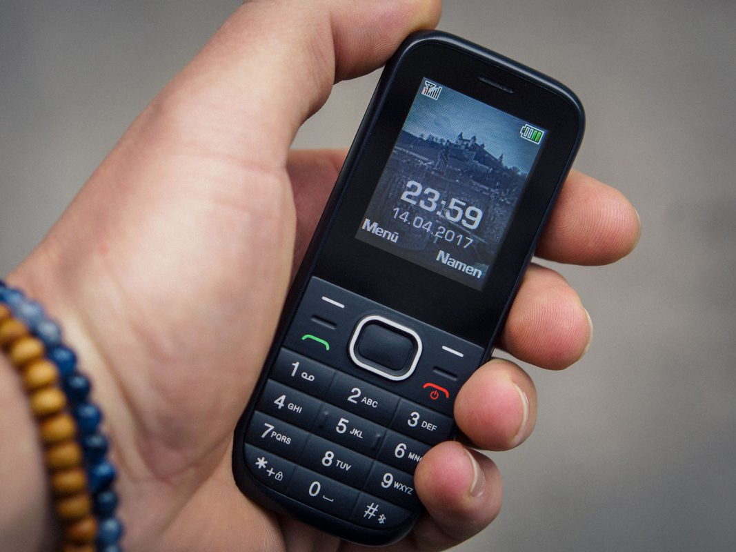 Symbolbild Smartphone-Fasten. Foto - Dominik Ziegler