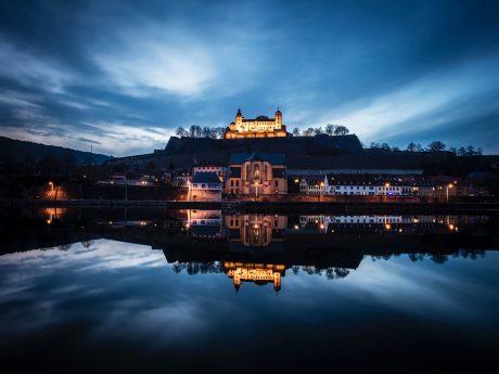 Diese und viele weitere atemberaubende Anblicke Würzburgs können ab dem 23. Oktober im Rathaus bestaunt werden. Foto: Boris Albert