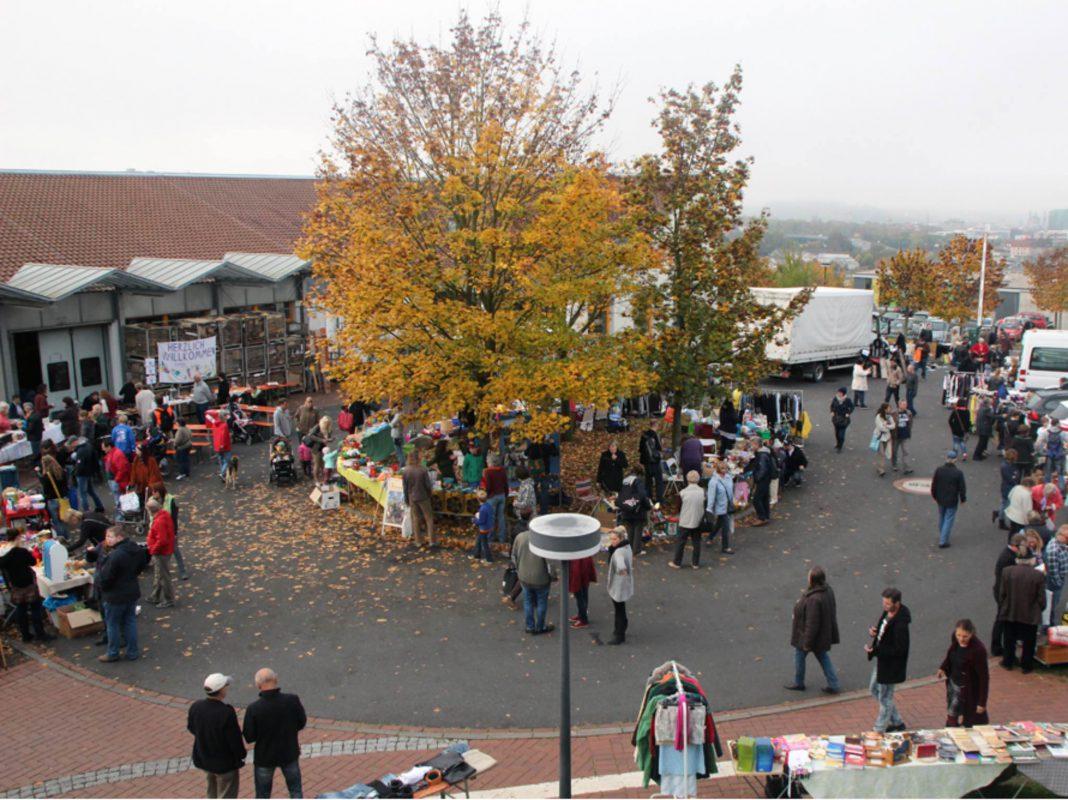 Secondhand Shopping ganz gemütlich auf dem Blindi-Flohmarkt am 24. September. Foto: Blindeninstitutsstiftung