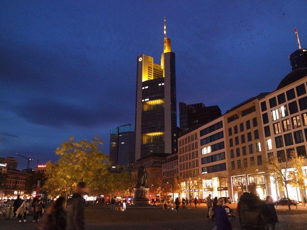 Großstadtfeeling pur – ein Ausflug nach Frankfurt bietet viele Möglichkeiten. Foto: Sabine Brummer