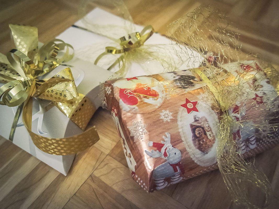 Geschenke zu Weihnachten. Symbolfoto: Pascal Höfig