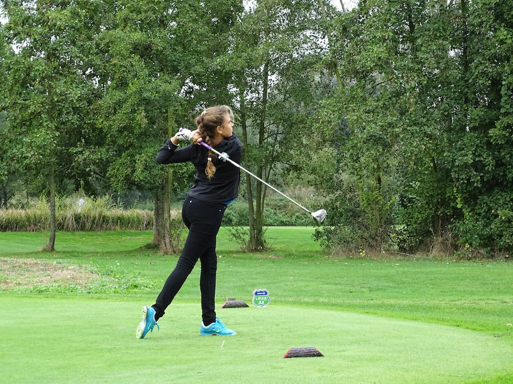 Die 17-jährige Theresa de Bochdanovits. Foto: Golf Club Würzburg