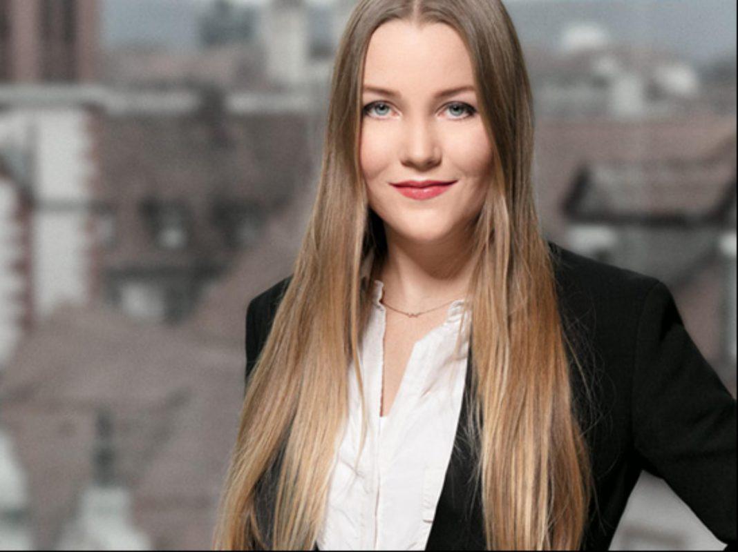 Katharina Nürck informiert zum Thema private Fahndung per Facebook. Foto: Reitmaier Rechtsanwälte