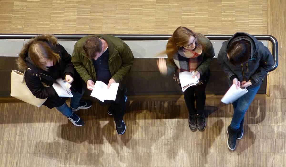 Studienintressierte in der Hochschule Würzburg-Schweinfurt - Foto: FHWS-Archiv / Klein