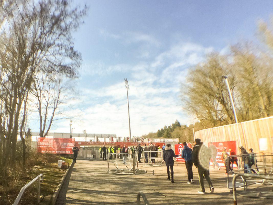Ab 12:00 Uhr öffnet das Stadion - Foto: Pascal Höfig