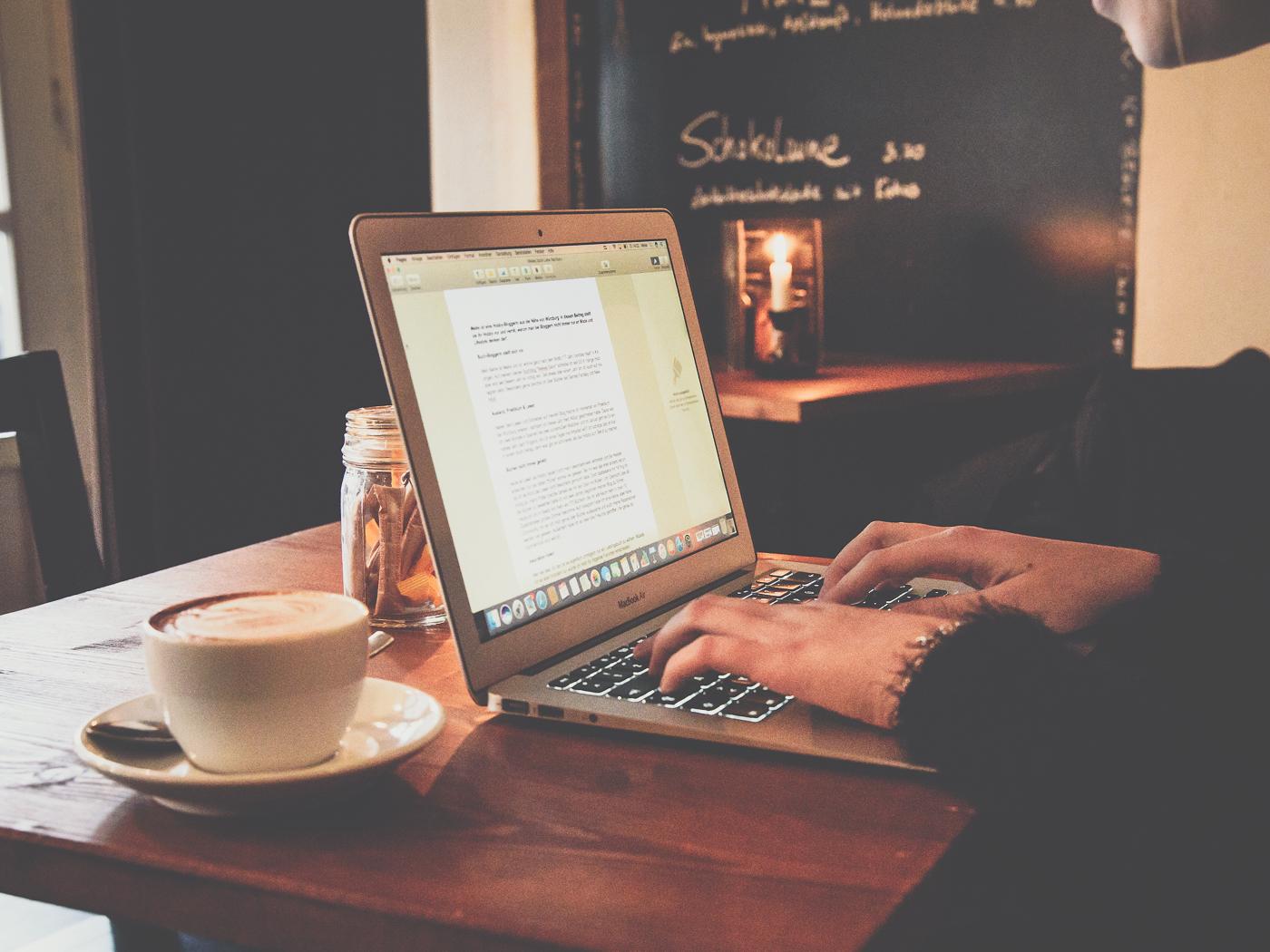 Lernen am Laptop. Foto: Pascal Höfig