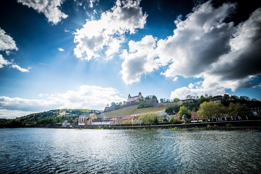 Wolken über Festung und Main. Foto: Pascal Höfig