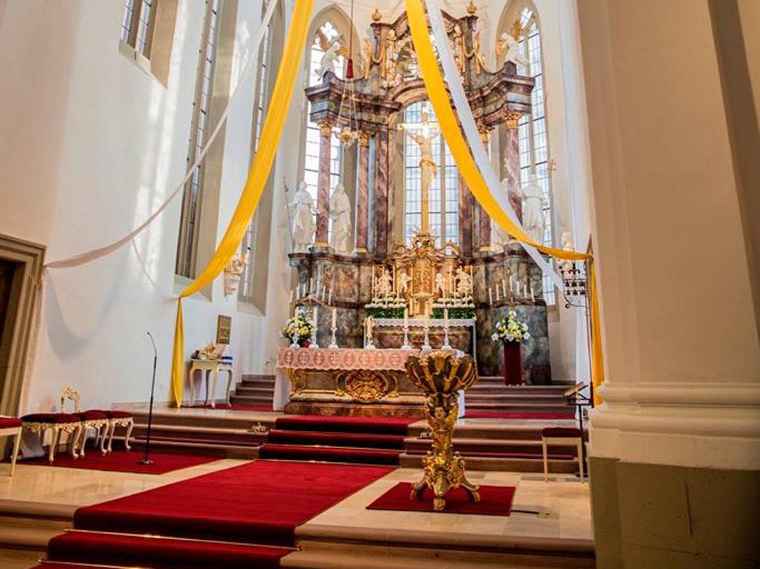 """""""Nightfever"""" findet diesmal in der frisch renovierten Kirche St. Peter und Paul im historischen Stadtzentrum statt. - Foto: Nightfever Würzburg"""