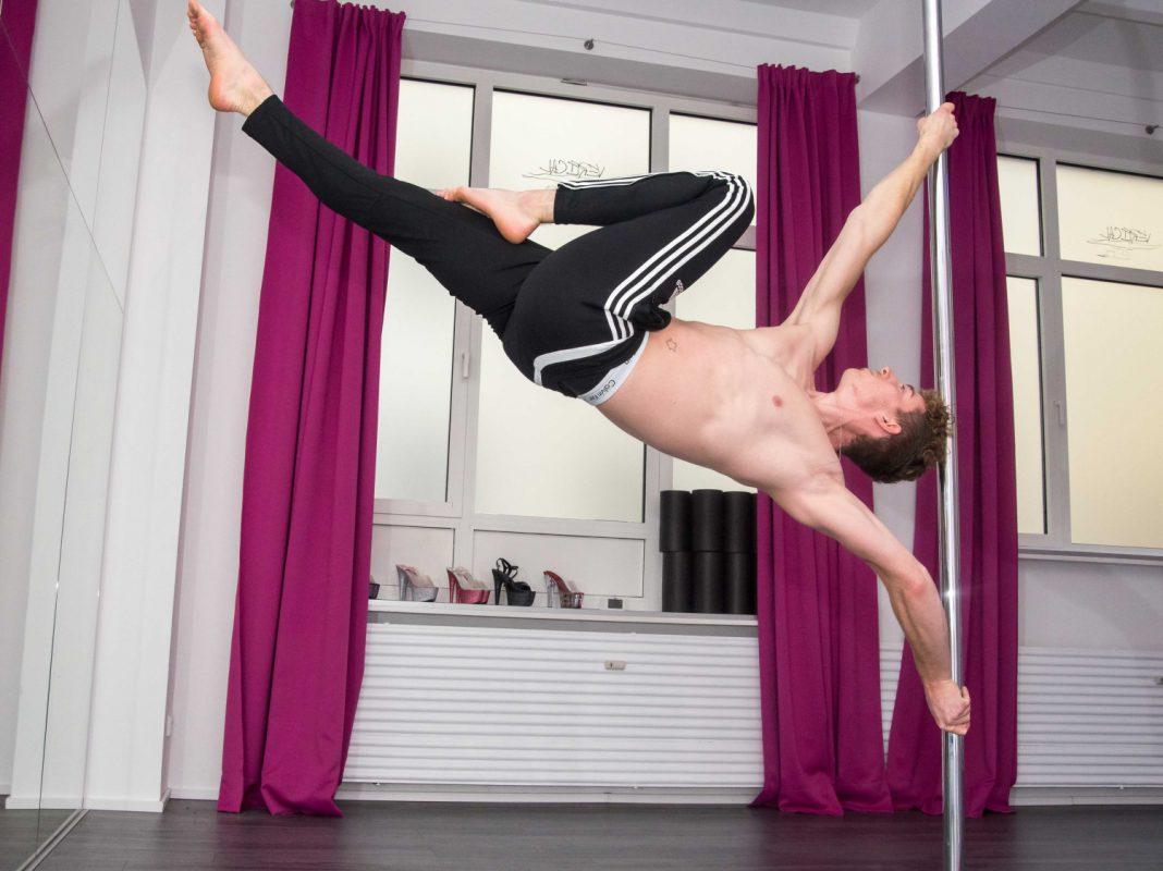 Andreas ist leidenschaftlicher Pole-Dancer - Foto: Pascal Höfig