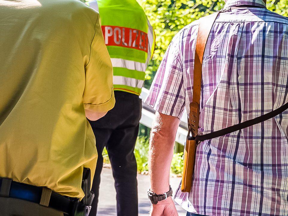 Polizeibeamte im Einsatz - Symbolbild: Pascal Höfig