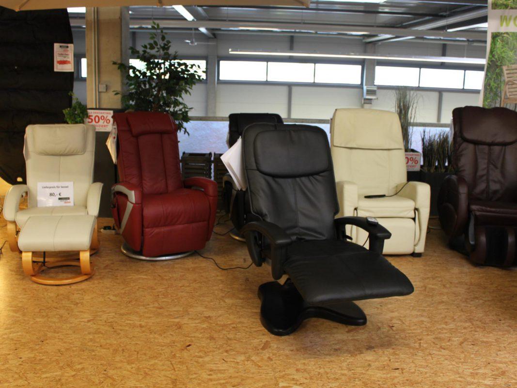 Für Verspannte gibt es Massagesessel zum halben Preis! Foto: MÖBEL SCHOTT