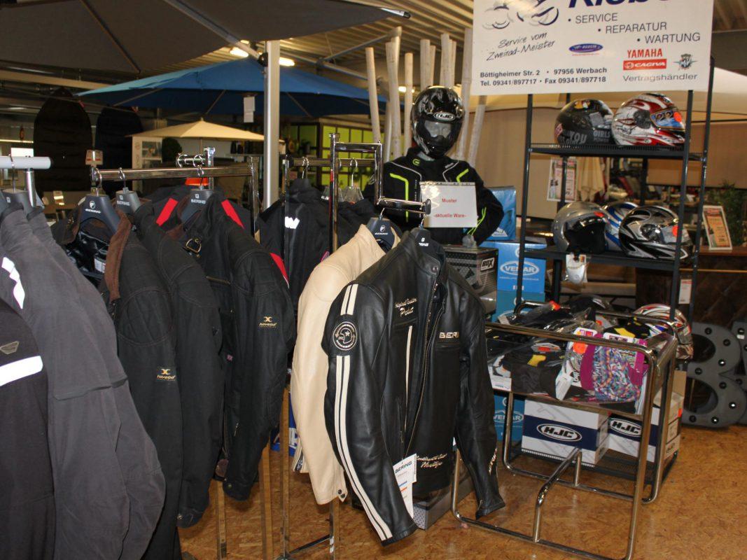 Motorradfahrer aufgepasst, Bikerkleidung zum Outletpreis! Foto: MÖBEL SCHOTT