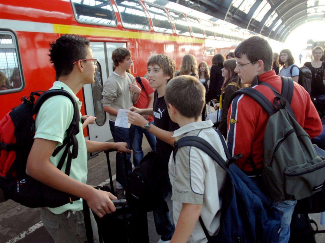 Am ersten Ferientag fahren 1er-Schüler kostenlos durch Zug. Foto: DB Regio AG