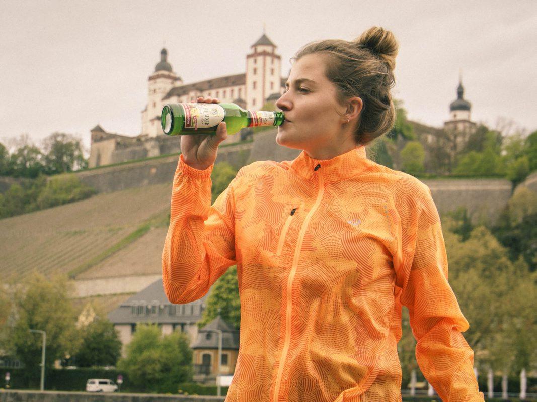 Perfekt nach dem Sport – die alkoholfreien Biervarianten der Distelhäuser füllen leere Mineralstoffspeicher wieder auf. Foto: Dominik Ziegler