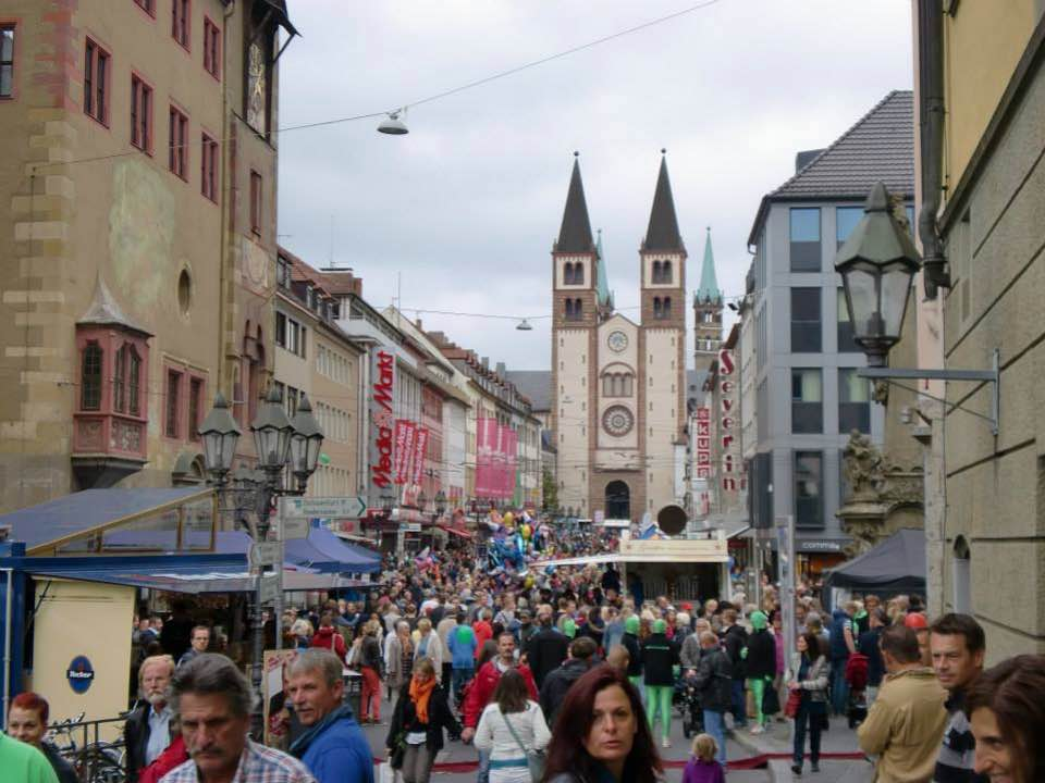 Stadtfest Würzburg. - Fotoquelle: DB Regio AG