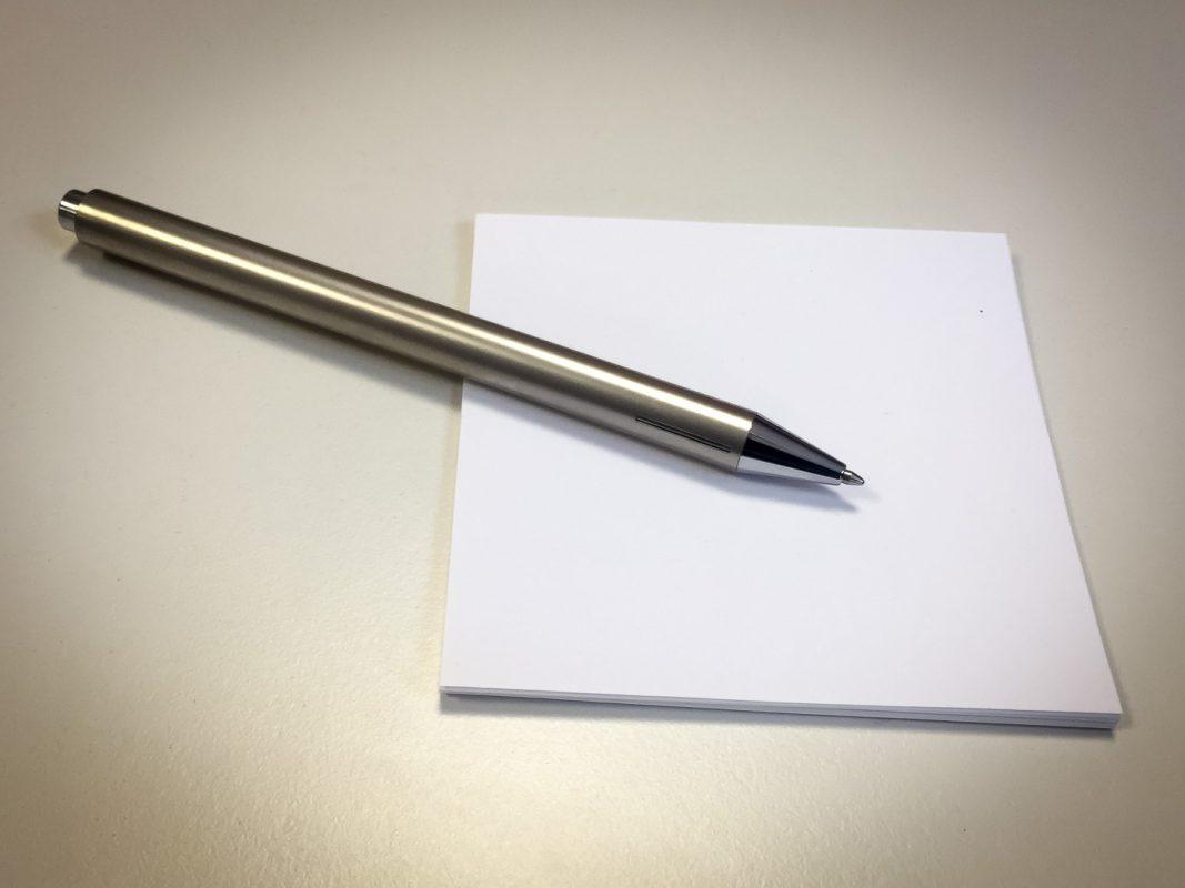 Stift und Zettel. Foto: Pascal Höfig