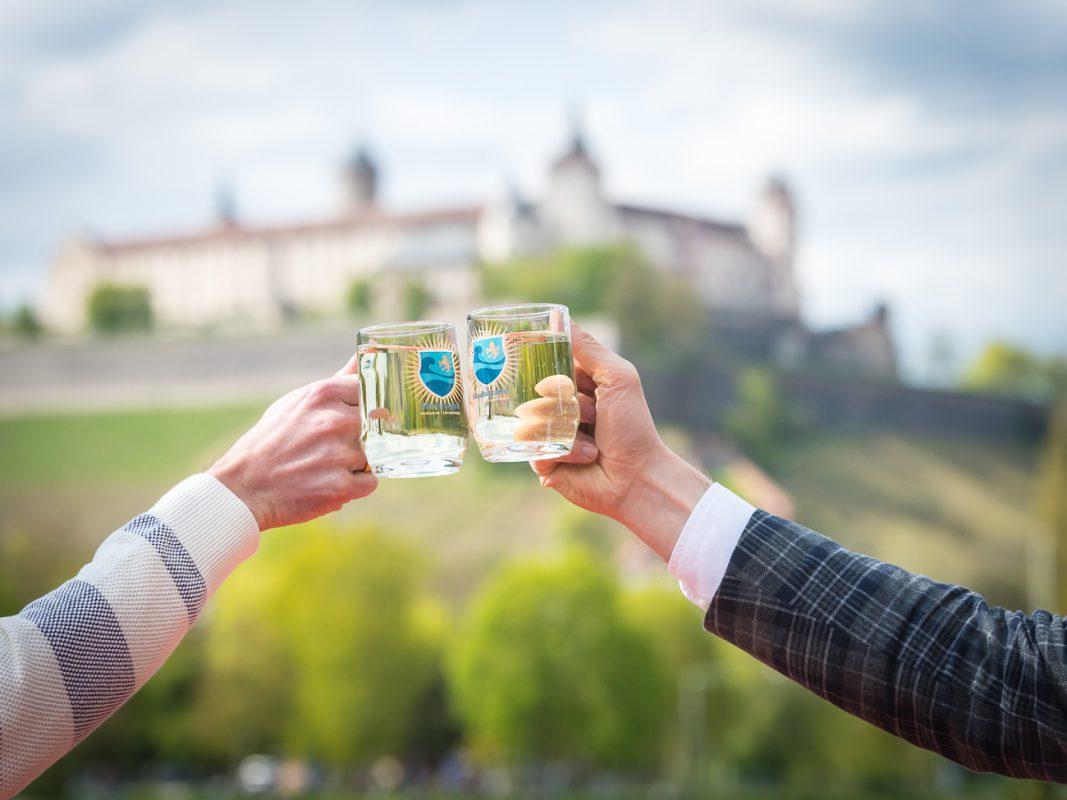 Wir geben am Weinstrand einen aus! - Foto: Pascal Höfig