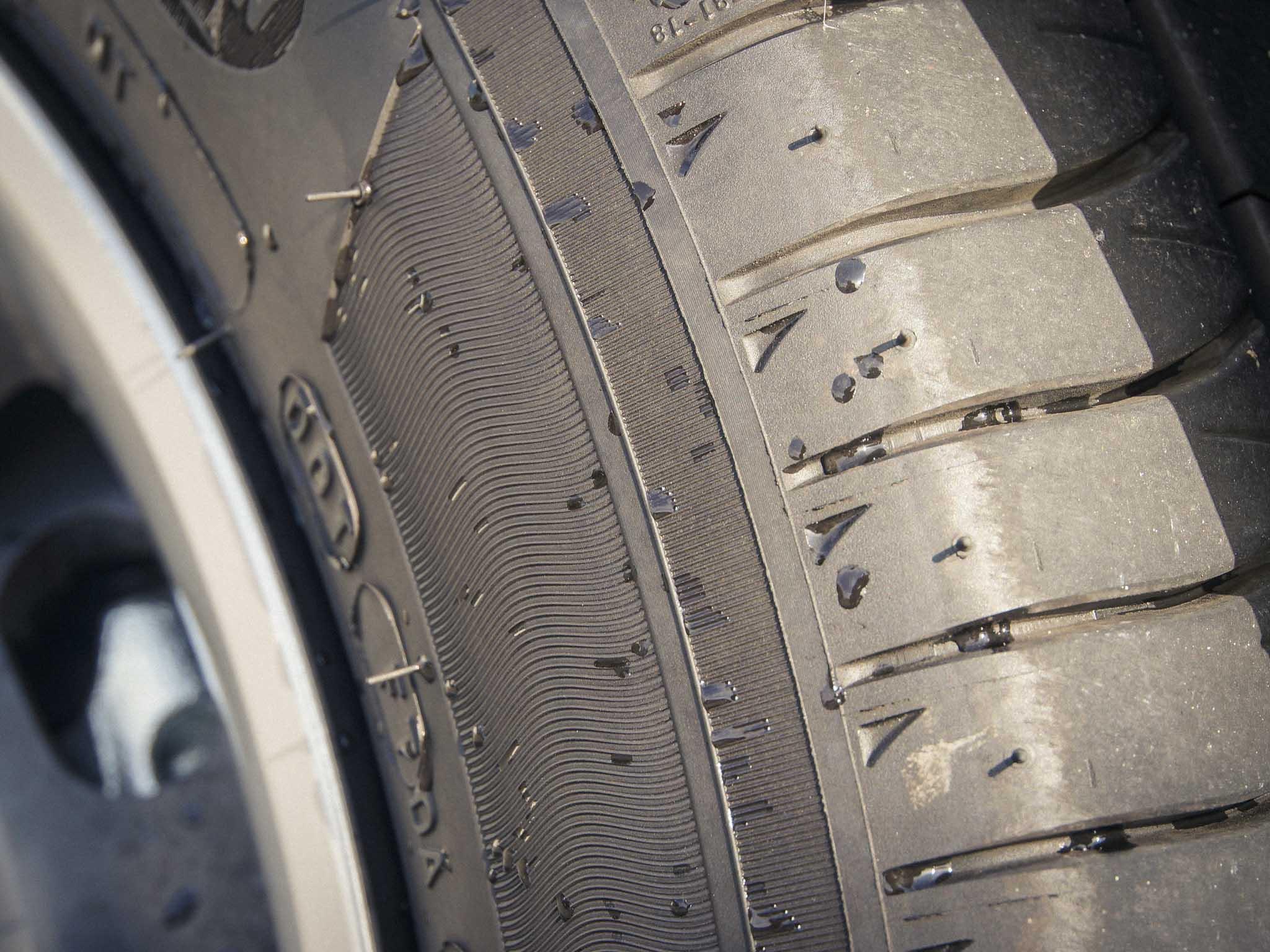 Zu stark abgefahrene Reifen sollten schleunigst entsorgt werden. Foto: Dominik Ziegler