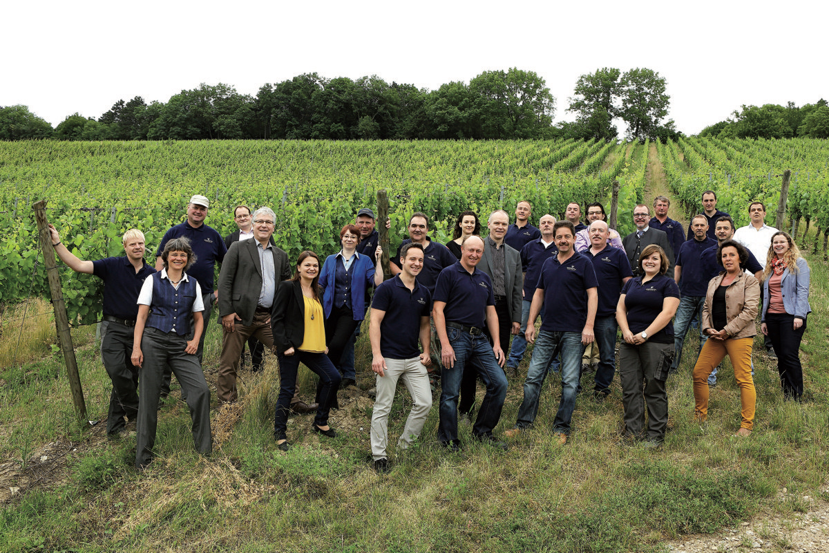 Das Team des Weingutes freut sich auf viele Gäste! - Foto: Bürgerspital Weingut