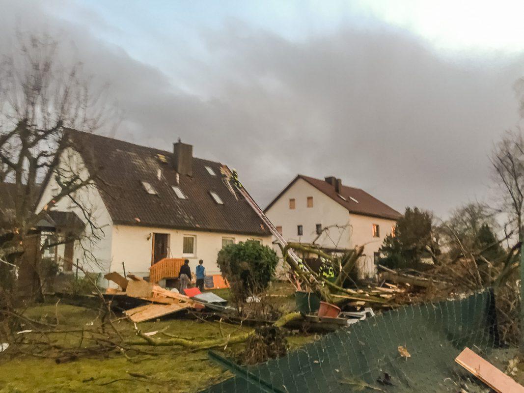 Zahlreiche Häuser wurden beschädigt. Foto: Pascal Höfig