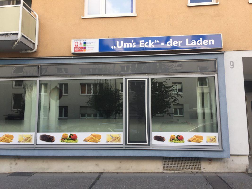 """Lebensmittelladen """"Um's Eck"""" im Mainviertel. Foto: Katharina Kraus"""
