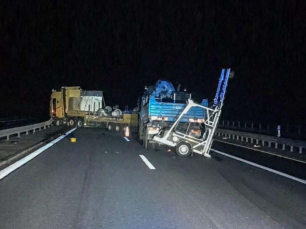 Den Sachschaden schätzt die Autobahnpolizei auf etwa 96.000 Euro. Foto: VPI Würzburg-Biebelried