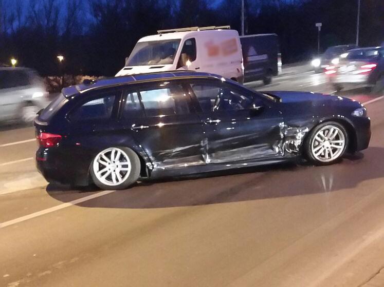 Da beide Verkehrsteilnehmer angaben, Grünlicht gehabt zu haben, werden dringend Zeugen gesucht - Foto: News5