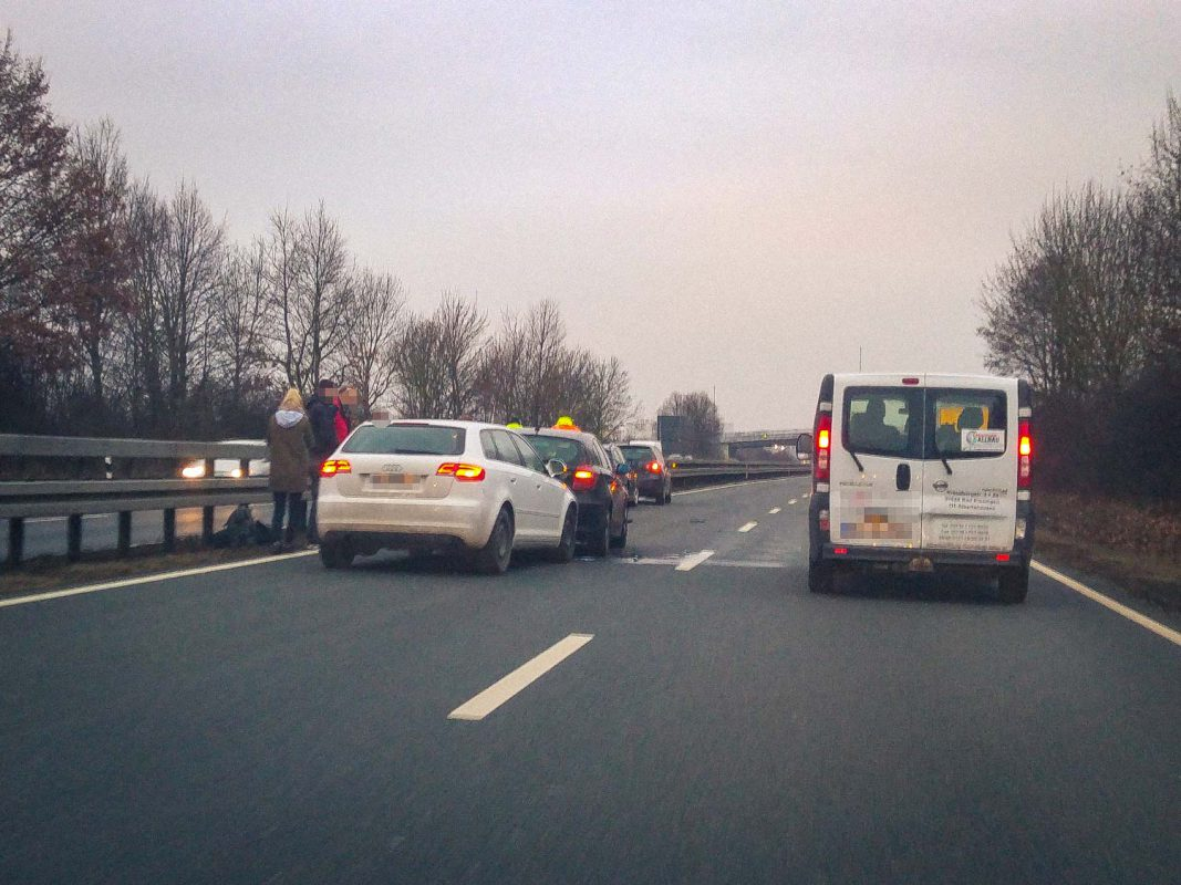 Verkehrsunfall auf der B 19 bei Estenfeld am 13.03.2017 - Foto: Anonym