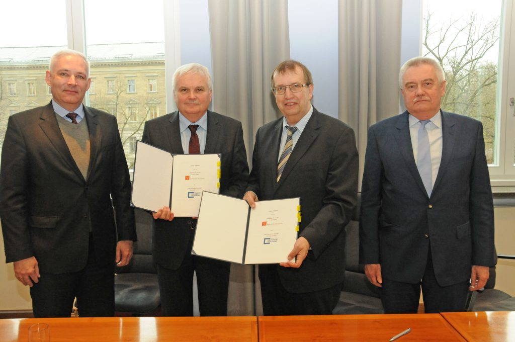TU Breslau und Universität Würzburg unterzeichnen neue Kooperationsverträge. Foto: Robert Emmerich