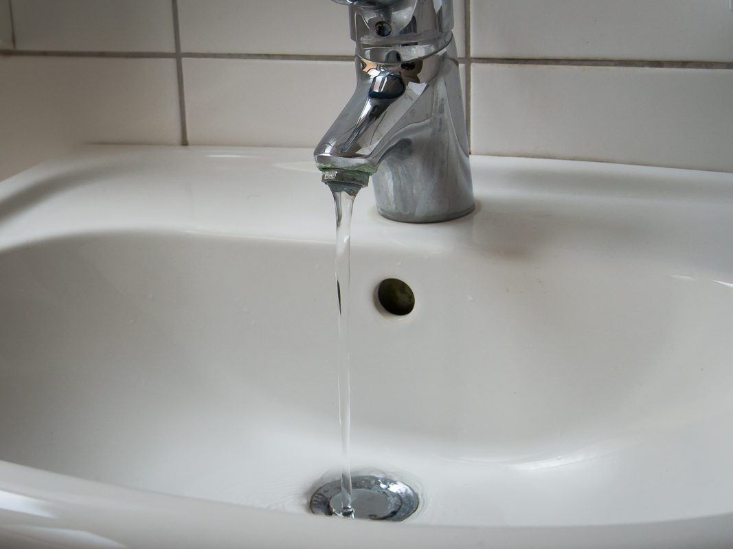 Wasserhahn im Badezimmer. Symbolbild: Pascal Höfig