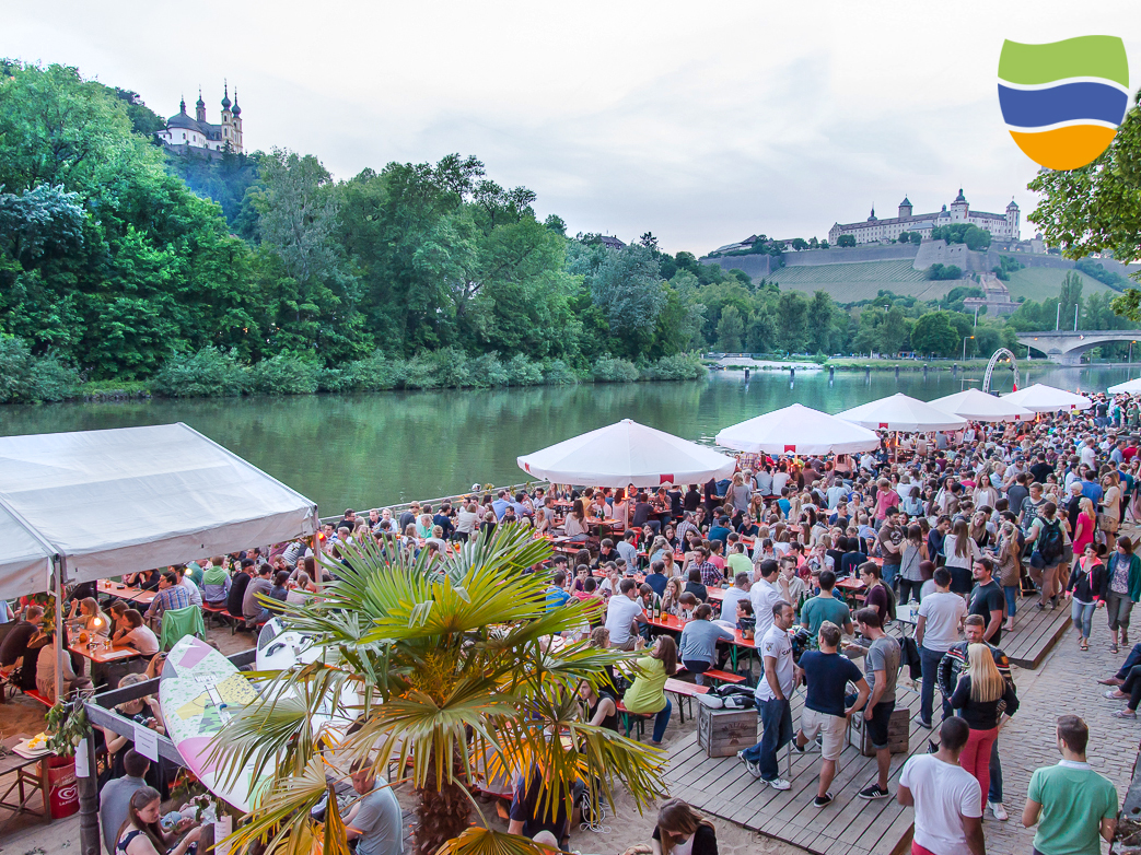 Der Würzburger Weinstrand beginnt am 19. Juni. Foto: Würzburg erleben