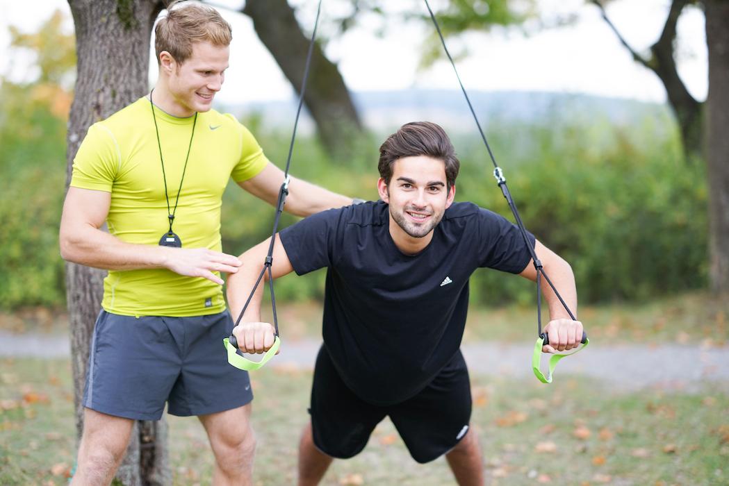 Funktionelles Training ist zwar enorm anstrengend, aber dennoch für jeden geeignet. Foto: fitcamp