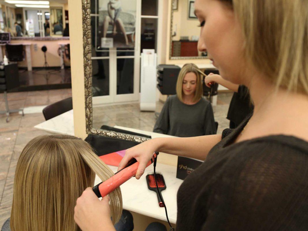 Styling für den guten Zweck bei Hair Fashion & Academy. Foto: Rolando Lemuria / Hair Fashion & Academy