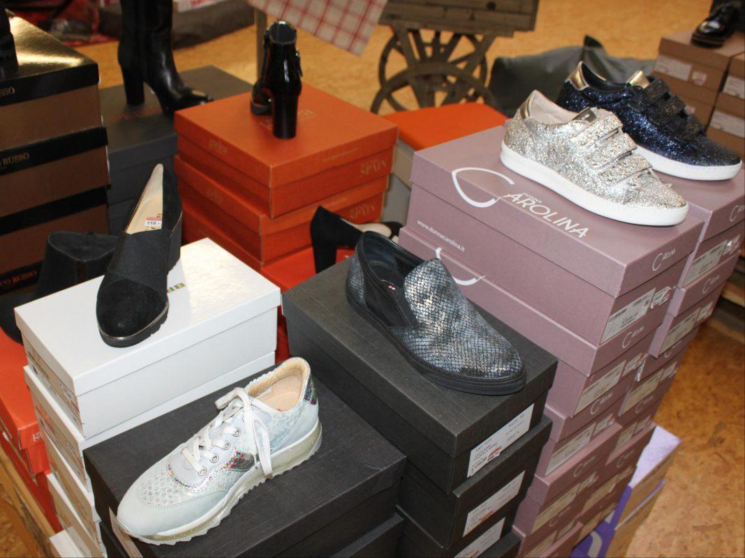 Ob Schmuck, Uhren, Kleidung oder Schuhe, im Marken Outlet gibt es einiges! Foto: MÖBEL SCHOTT
