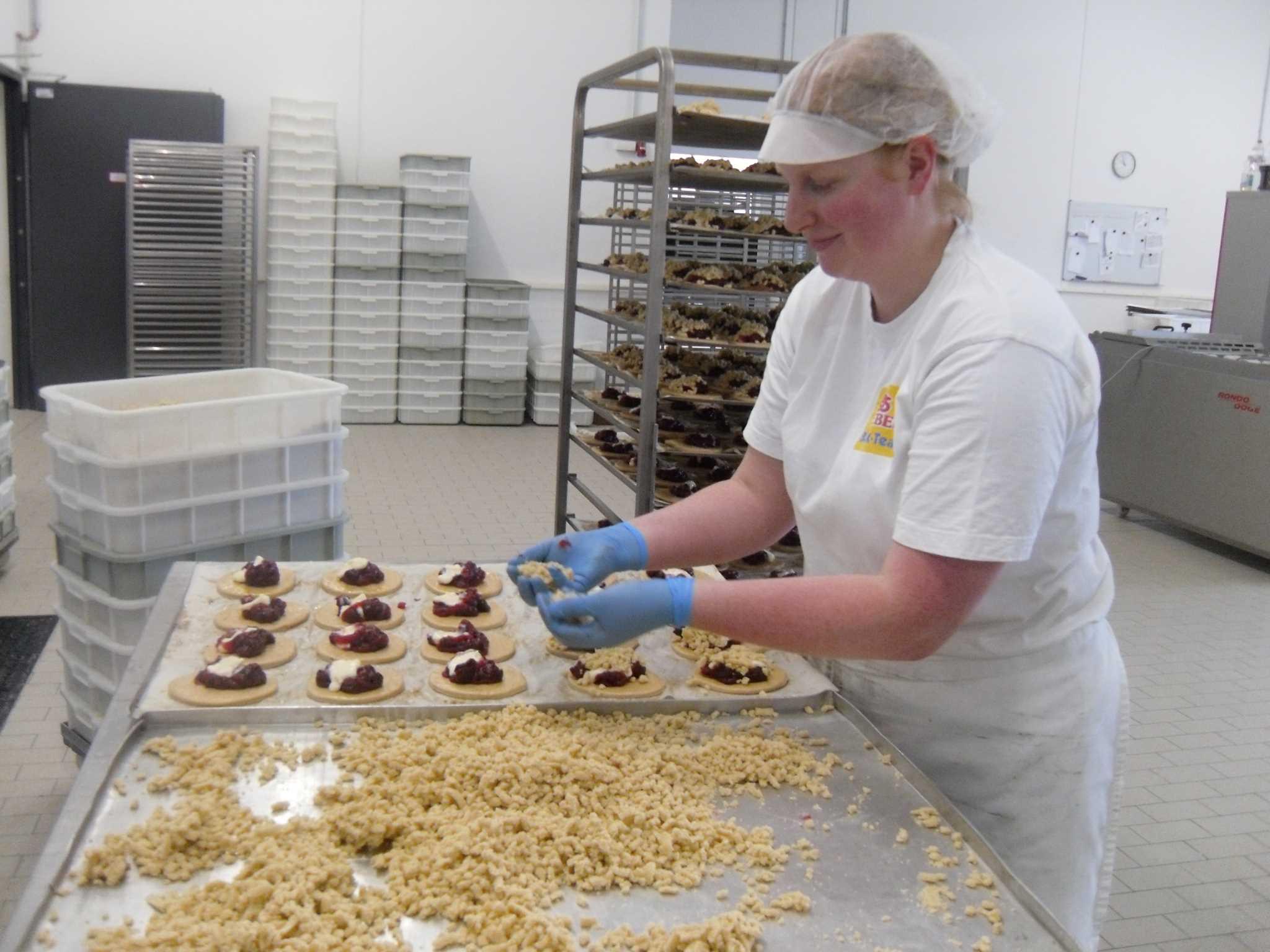 Die Gebäckstücke werden jeden Tag frisch zubereitet. Foto: Bäckerei Webers