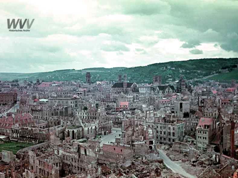 Die zerstörte Stadt. Foto: Historisches Archiv WVV