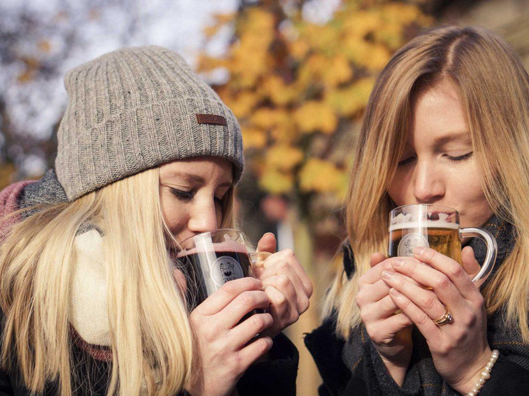 Mach mit und gewinne 2x5 Tassen Glühwein beim 1. Würzburger Winterweinfest! Foto: Dominik Ziegler
