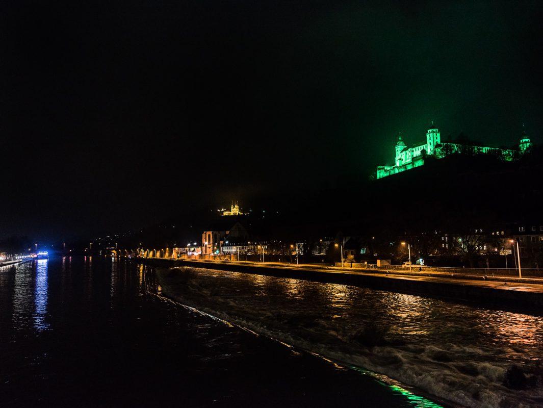 Als Zeichen gegen die Todesstrafe leuchtet die Festung grün. Foto: Pascal Höfig