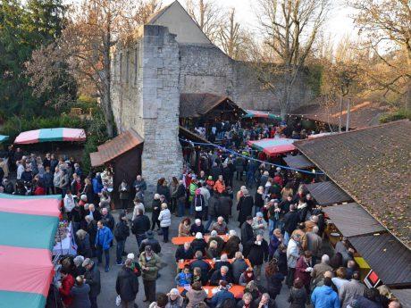 Gemütliches Weihnachtsshopping und Glühweinschlürfen auf dem 15. Hätzfelder Adventsmarkt. Foto: Fasenachtsgilde Giemaul Heidingsfeld e.V.