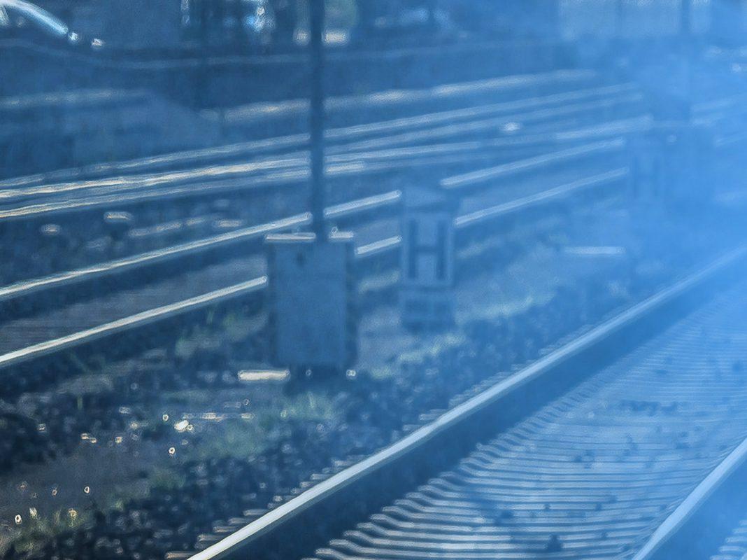 Blaulicht im Gleisbereich. Foto: Pascal Höfig